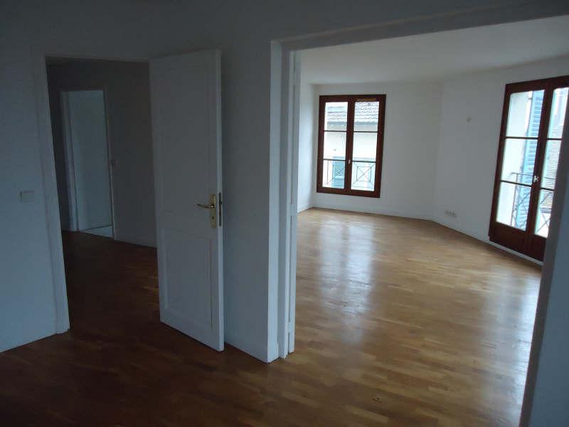 Rental apartment Poissy 1377,07€ CC - Picture 2