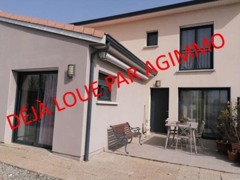 Rental house / villa L isle jourdain 995€ CC - Picture 1