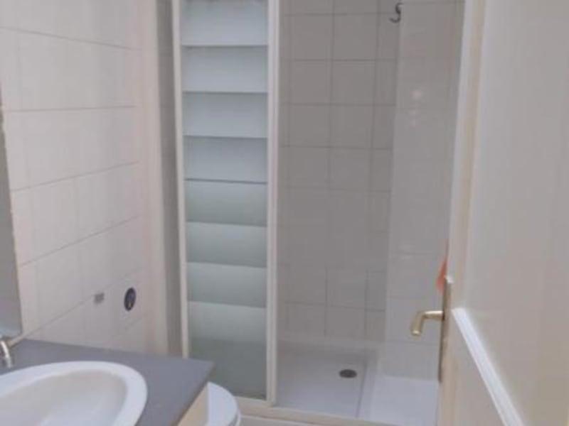 Location appartement Paris 17ème 828€ CC - Photo 5