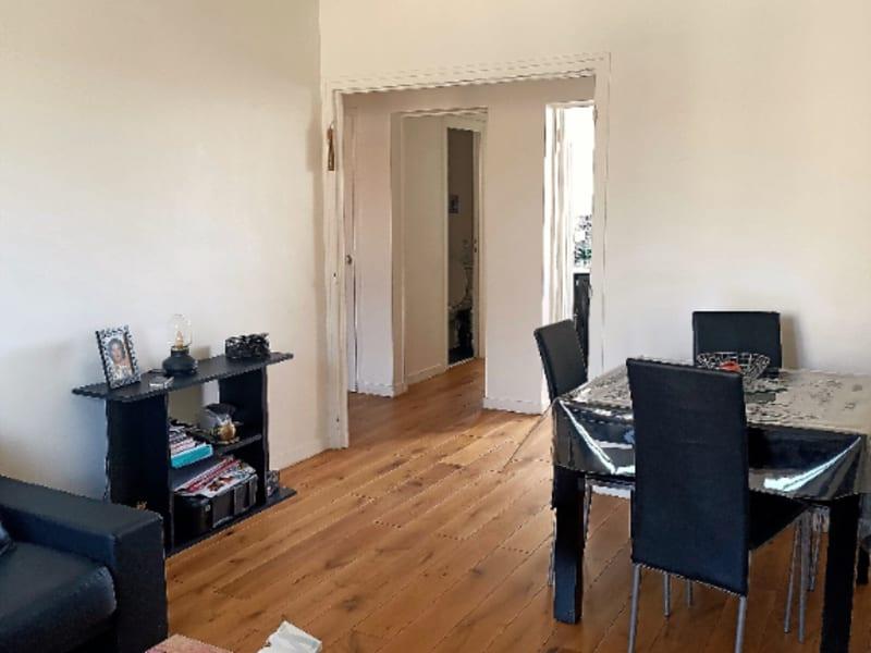 Sale apartment Le mesnil le roi 250000€ - Picture 2