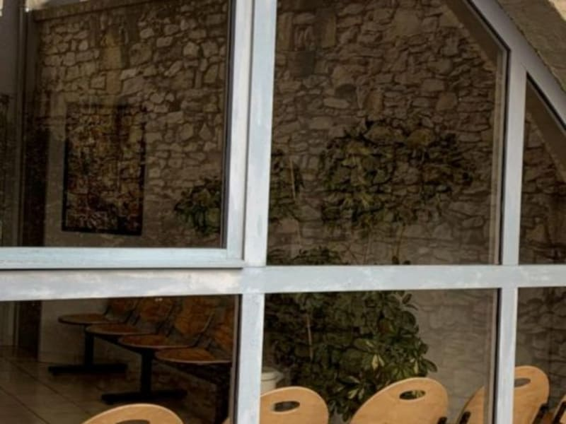Location local commercial Lunel 1064€ HC - Photo 4