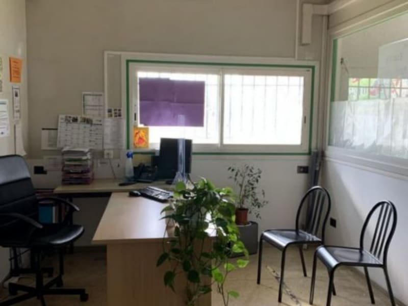 Location local commercial Lunel 1 364€ HC - Photo 5