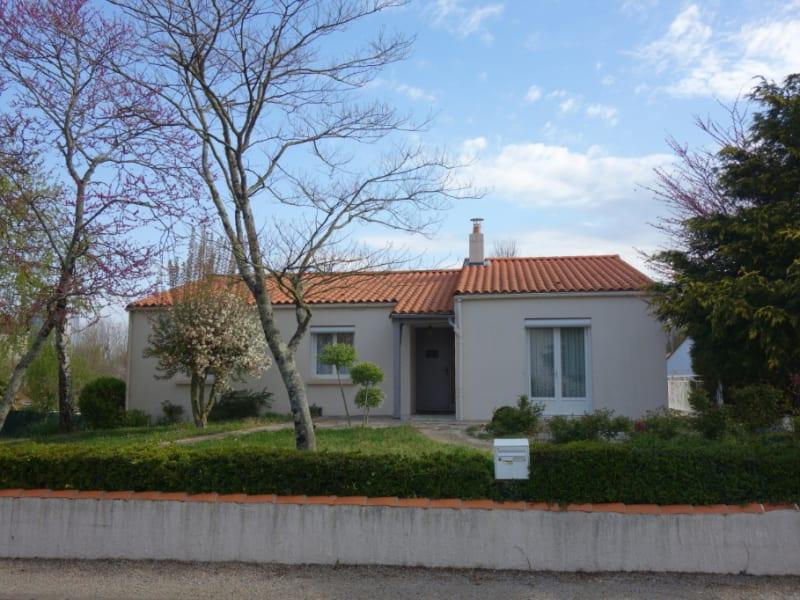 Sale house / villa Saint denis la chevasse 239000€ - Picture 1
