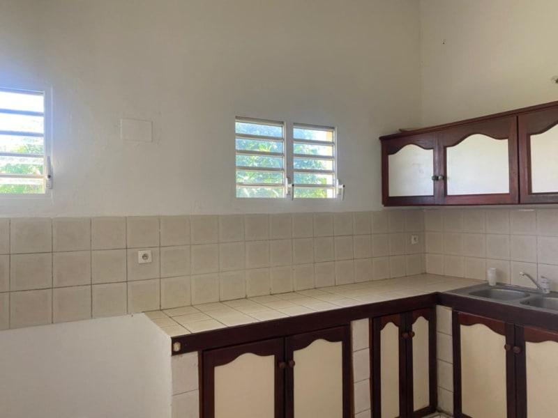 Location maison / villa Baie mahault 900€ CC - Photo 5