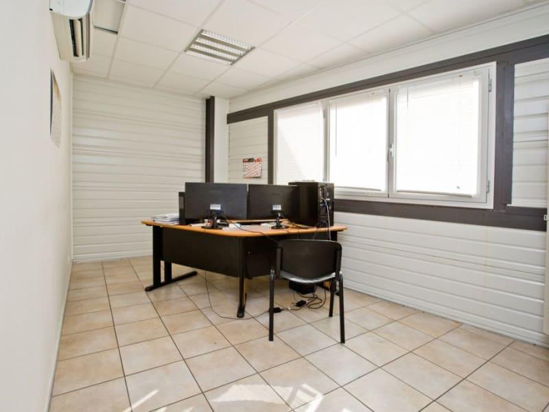 Sale empty room/storage Assat 742000€ - Picture 5