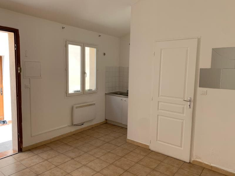 Location appartement Salon de provence 490€ CC - Photo 2