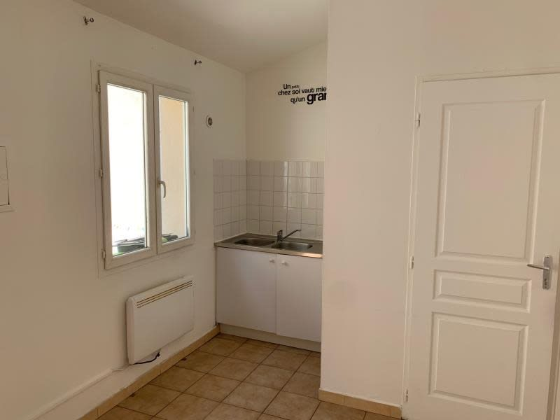 Location appartement Salon de provence 490€ CC - Photo 3