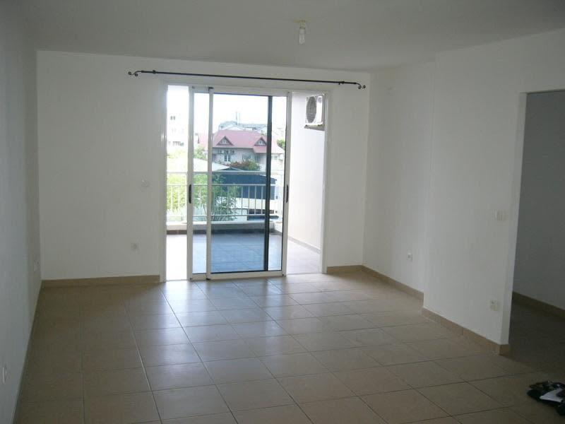 Location appartement St denis 871€ CC - Photo 3