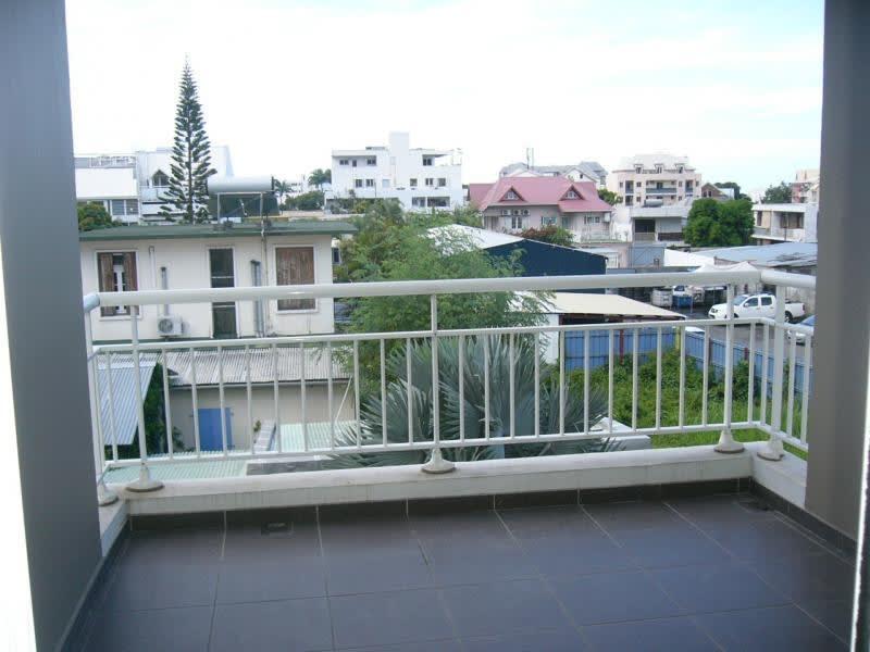 Location appartement St denis 871€ CC - Photo 5