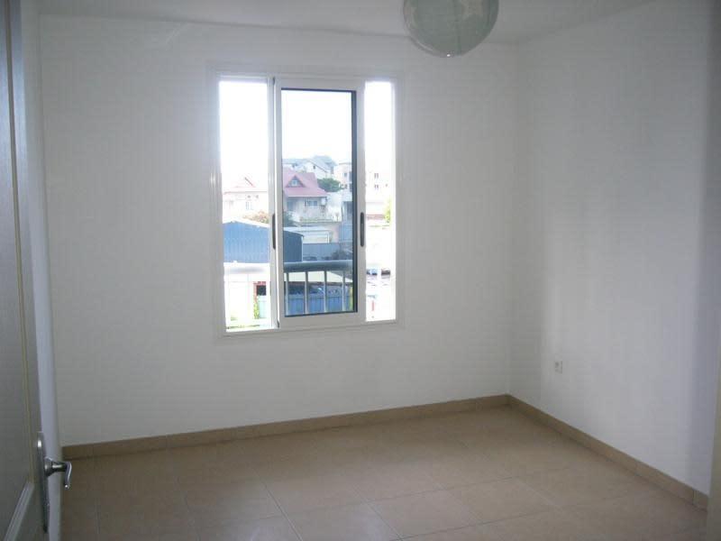 Location appartement St denis 871€ CC - Photo 8