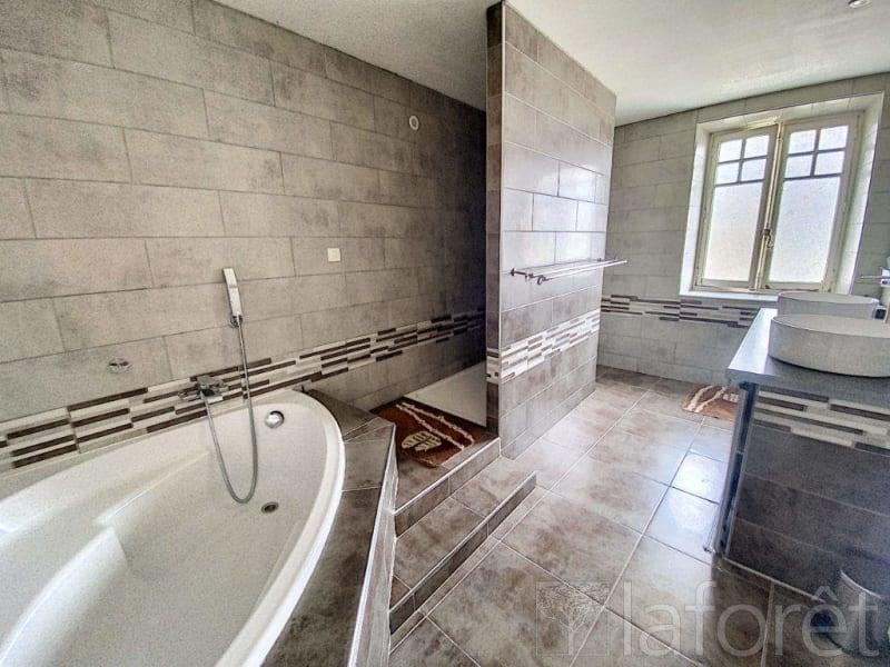 Sale house / villa La cote saint andre 350000€ - Picture 14