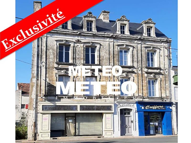 Sale building Lucon 189360€ - Picture 1