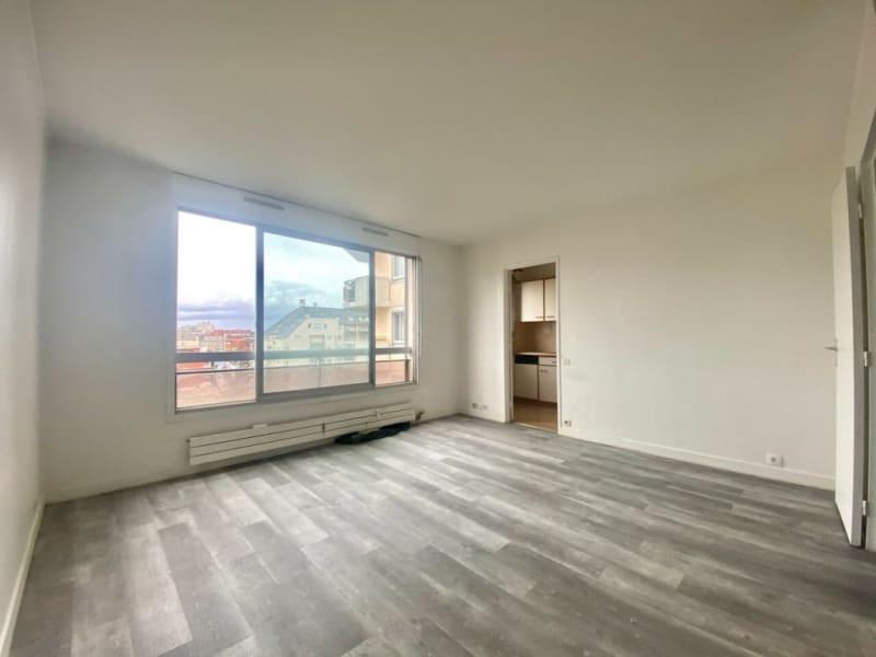 Rental apartment Courbevoie 780€ CC - Picture 2