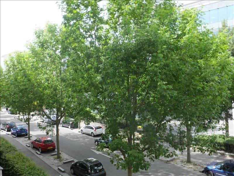 Rental apartment Montigny le bretonneux 710€ CC - Picture 1