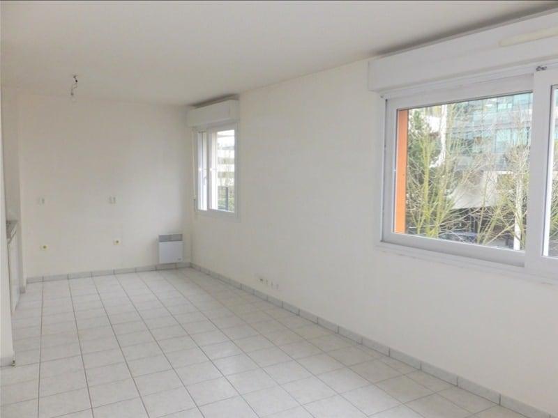 Rental apartment Montigny le bretonneux 710€ CC - Picture 2