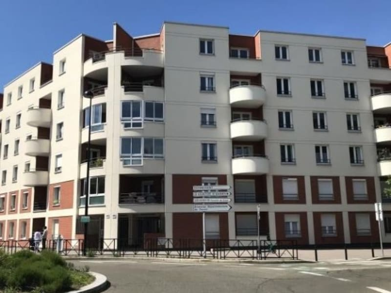 Rental apartment Montigny le bretonneux 720€ CC - Picture 2