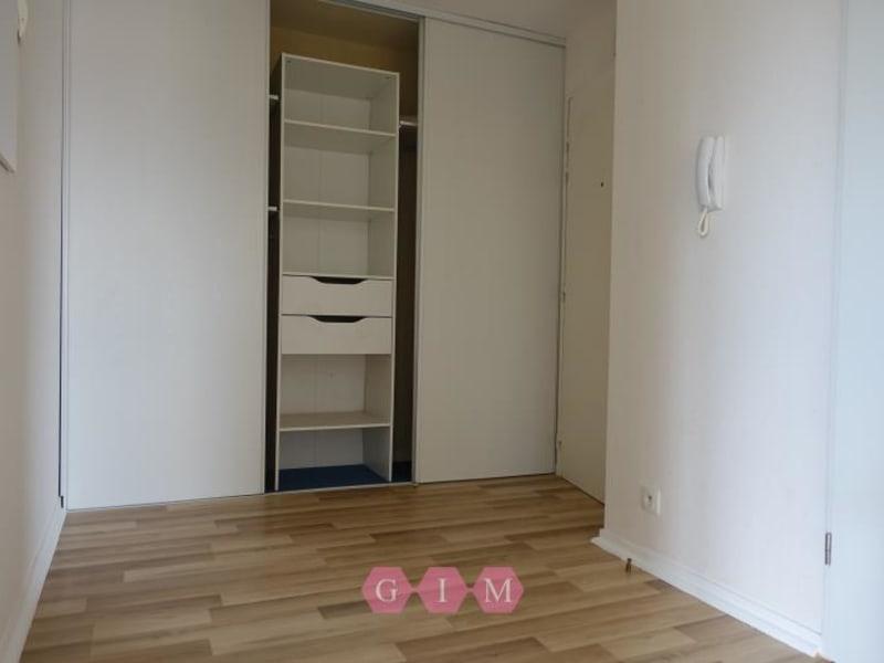 Rental apartment Chanteloup les vignes 603,60€ CC - Picture 2