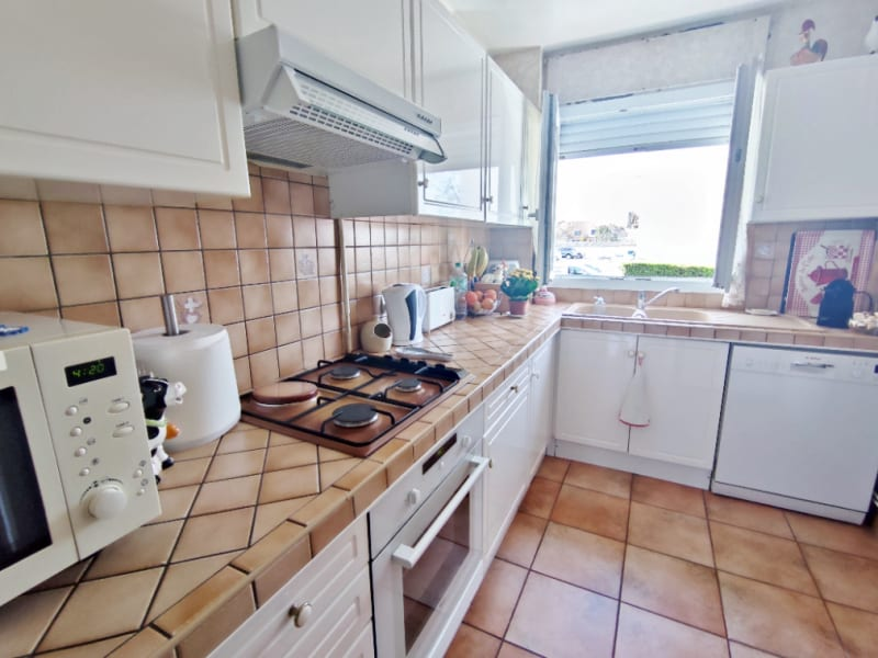 Sale apartment Sartrouville 220000€ - Picture 2