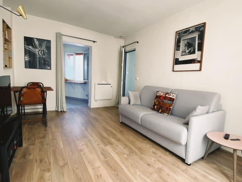 Rental apartment Paris 11ème 930€ CC - Picture 2