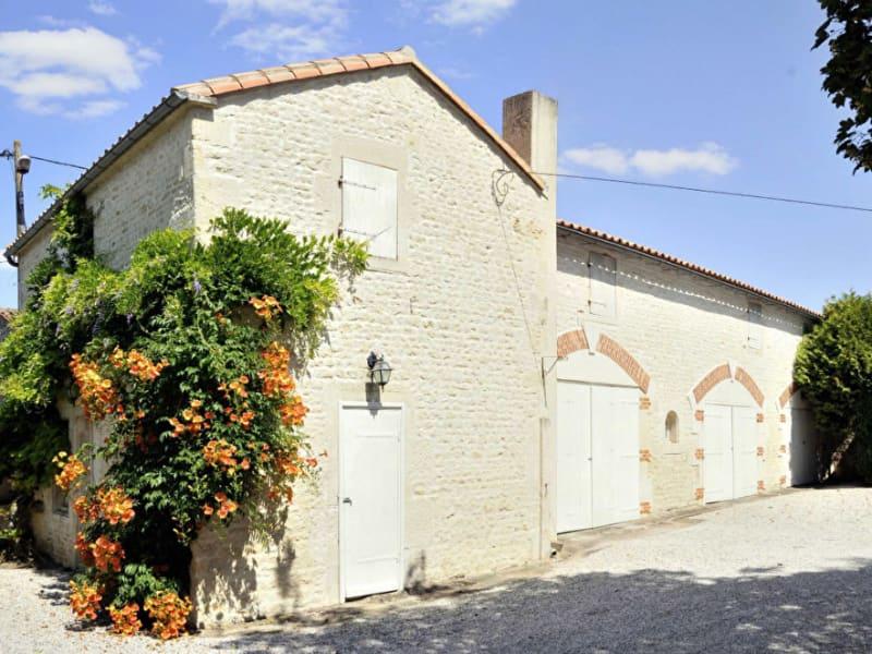 Vente maison / villa Velluire 517600€ - Photo 5
