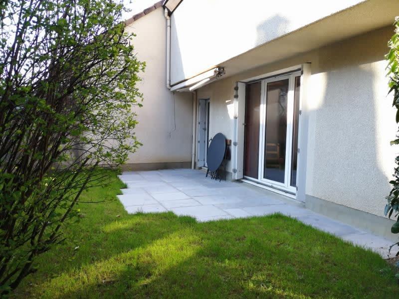 Sale house / villa Fontenay le fleury 371000€ - Picture 2