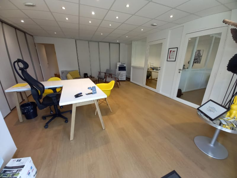 Location local commercial Rennes 1250€ HC - Photo 2