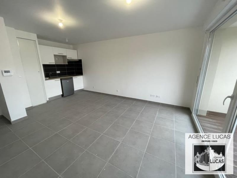Location appartement Villemomble 880€ CC - Photo 1