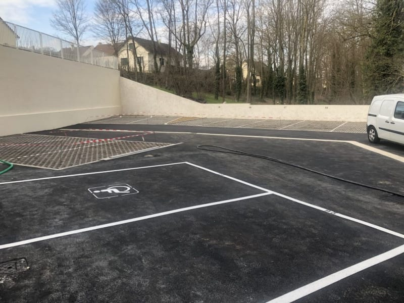 Rental parking spaces Claye souilly 45€ CC - Picture 1