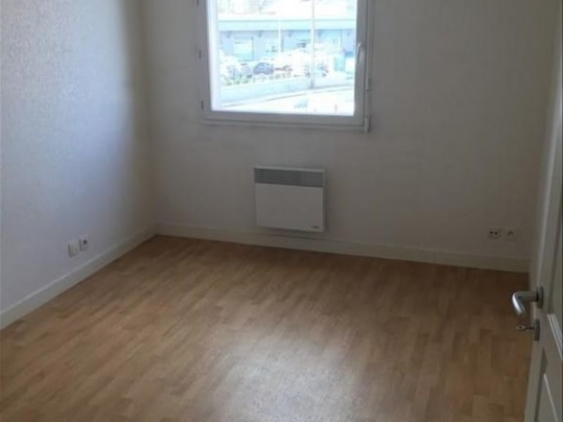 Location appartement Poitiers 475,27€ CC - Photo 4