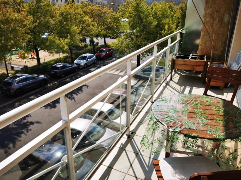 Sale apartment Jouy le moutier 219900€ - Picture 2