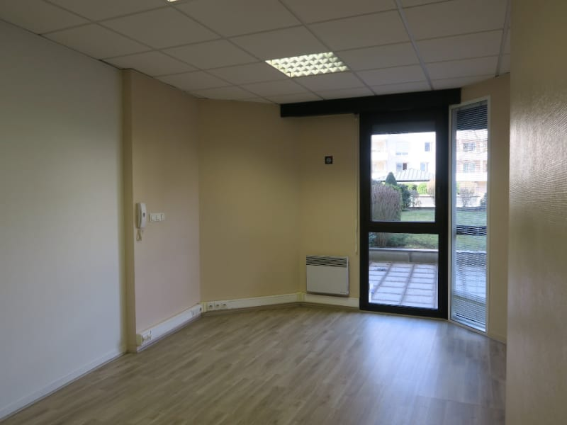 Rental office Annecy 2400€ HC - Picture 3