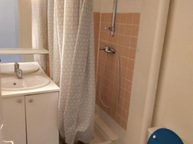 Location appartement Paris 18ème 617,10€ CC - Photo 5