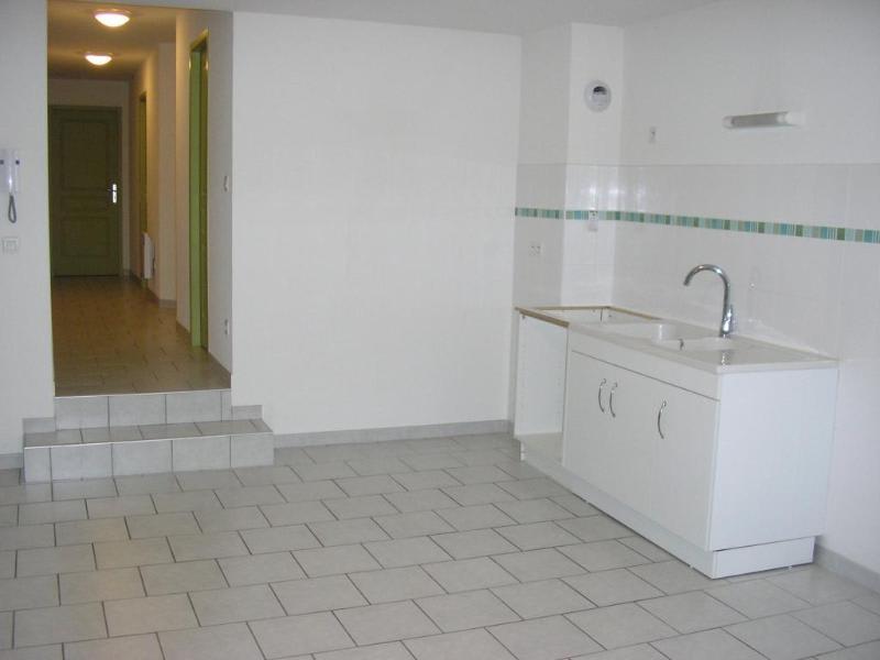Rental apartment Nantua 518€ CC - Picture 2