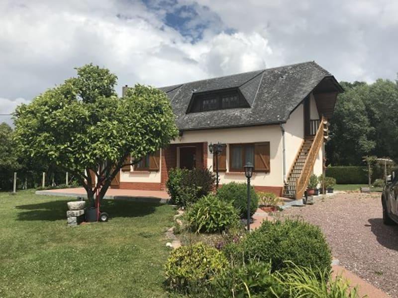 Sale house / villa Foucarmont 188000€ - Picture 1