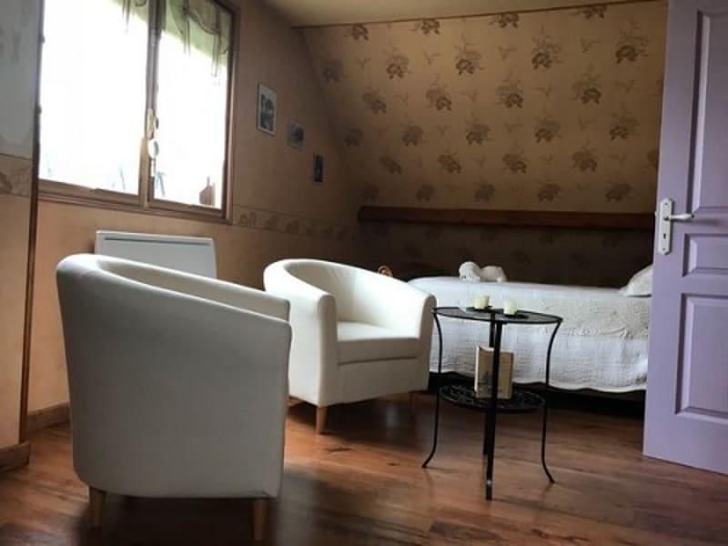 Sale house / villa Foucarmont 188000€ - Picture 4