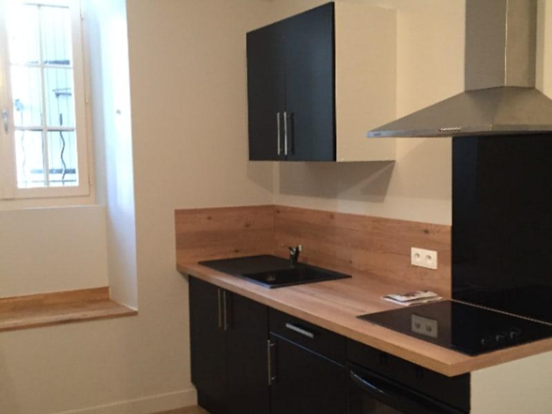 Rental apartment Vivonne 295€ CC - Picture 2