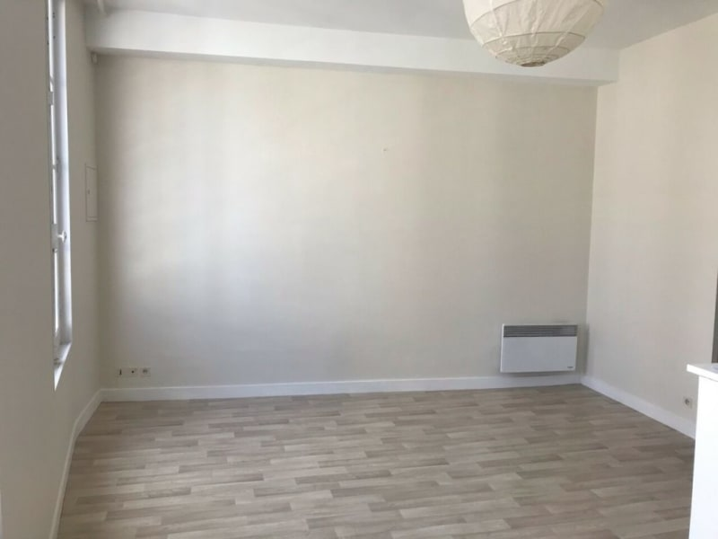 Location appartement Cognac 72€ CC - Photo 1