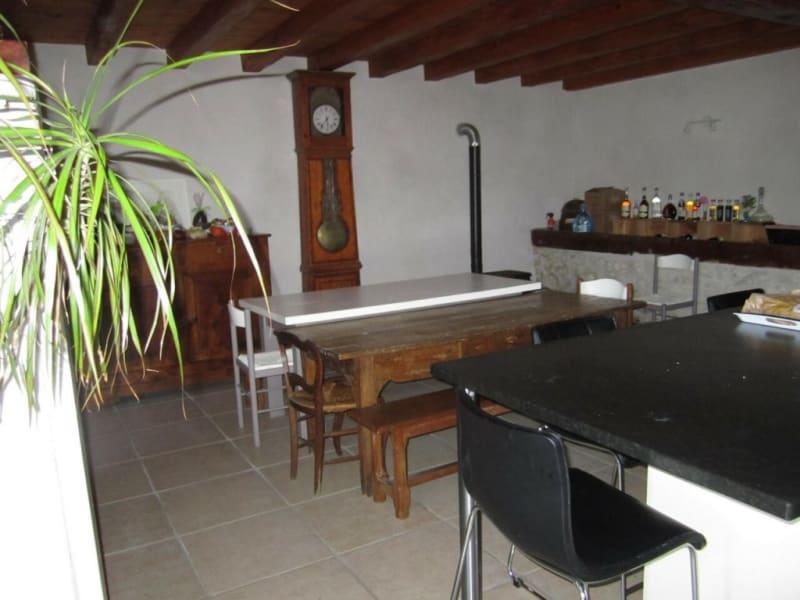 Vente maison / villa Criteuil-la-magdeleine 254000€ - Photo 5