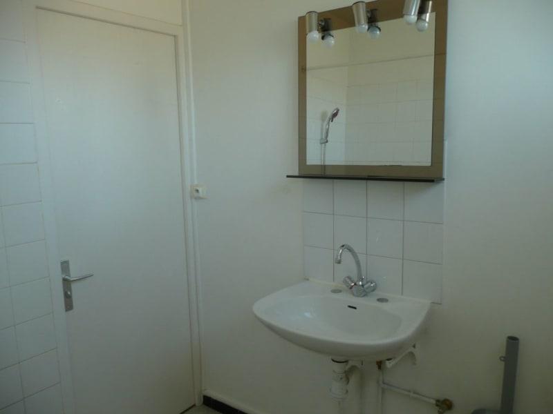 Sale apartment Saint-genis-laval 147000€ - Picture 2
