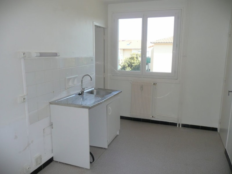 Sale apartment Saint-genis-laval 147000€ - Picture 4