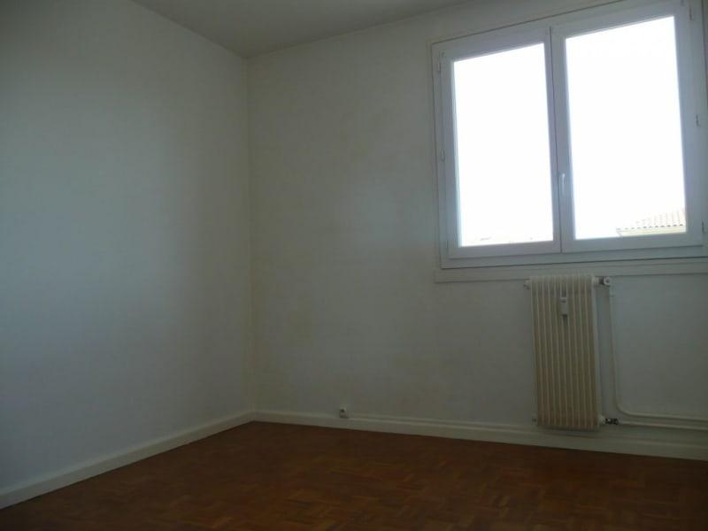Sale apartment Saint-genis-laval 147000€ - Picture 6