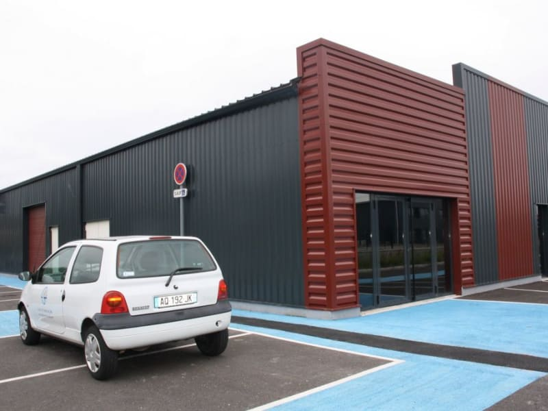 Location local commercial St jean d'illac 1587€ HC - Photo 1