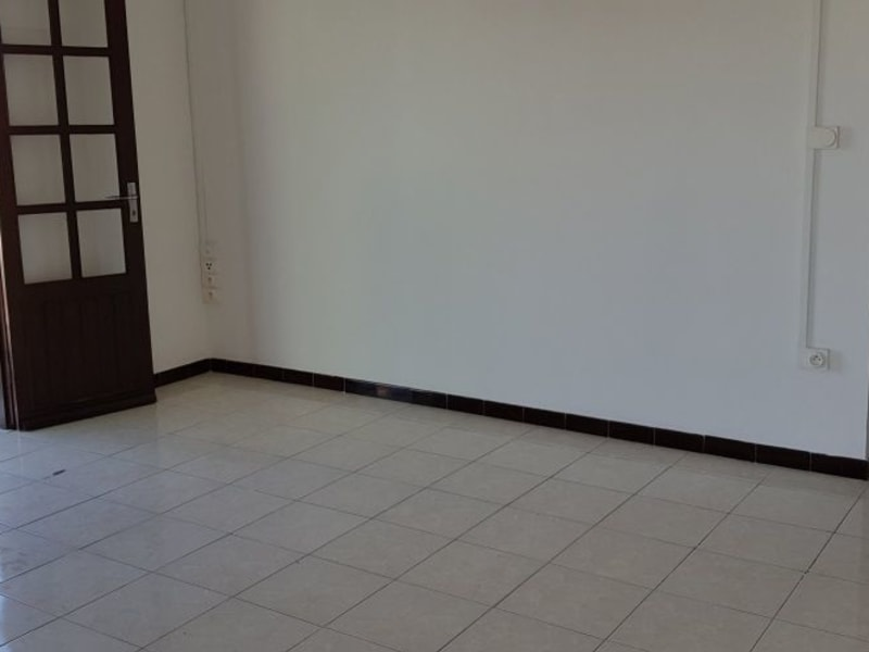 Location appartement St andre 525€ CC - Photo 2