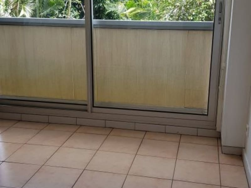 Location appartement St denis 580€ CC - Photo 3