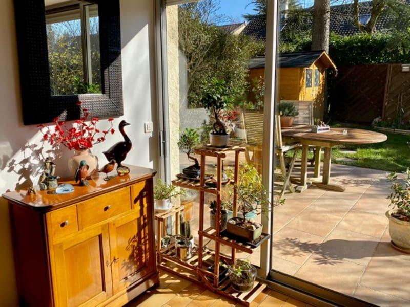 Sale house / villa Feucherolles 560000€ - Picture 3