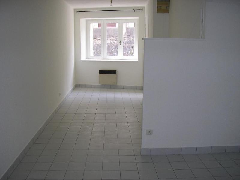 Rental apartment Montreal la cluse 222€ CC - Picture 1