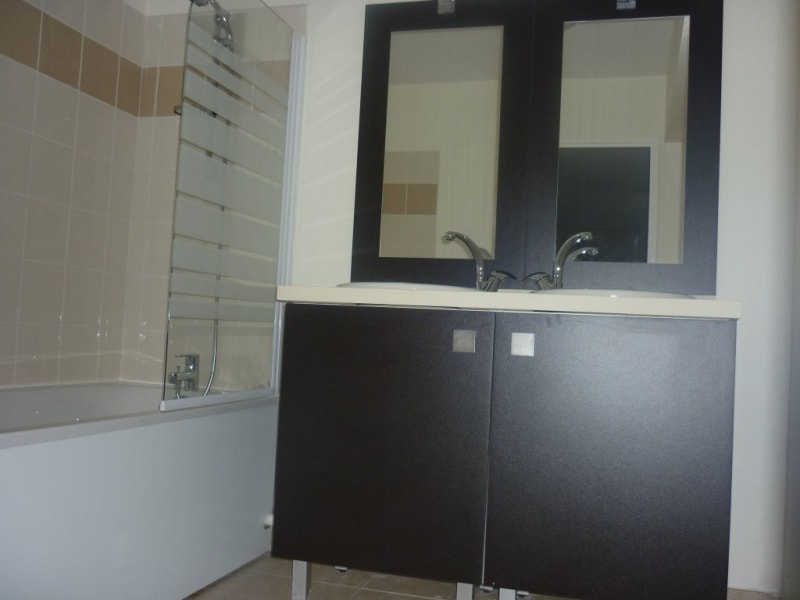Rental apartment La montagne 726€ CC - Picture 4