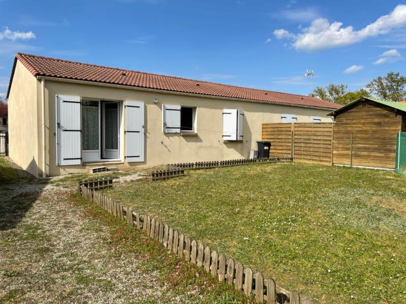 Sale house / villa La chaize le vicomte 148000€ - Picture 1