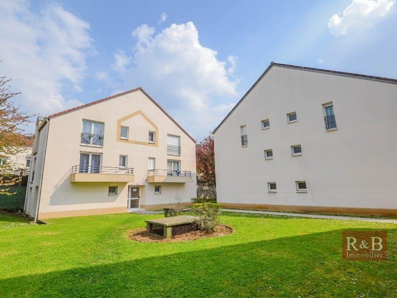 Sale apartment Plaisir 125000€ - Picture 1