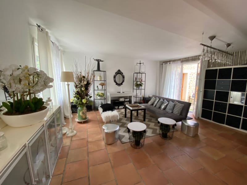 Sale house / villa Chateaufort 599000€ - Picture 2